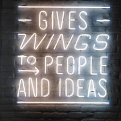 Gives wings to people and ideas neon | Neonová reklama - Neon na fasádě